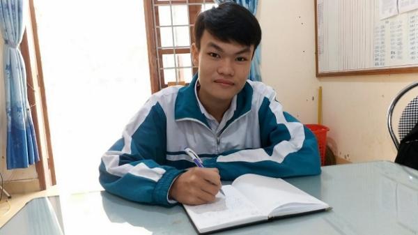 Nam sinh Quảng Trị thiết kế mô hình nhà vệ sinh tự động