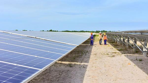 Quảng Trị: Nhà đầu tư điện mặt trời mái nhà lo lắng vì bị tiết giảm bán điện