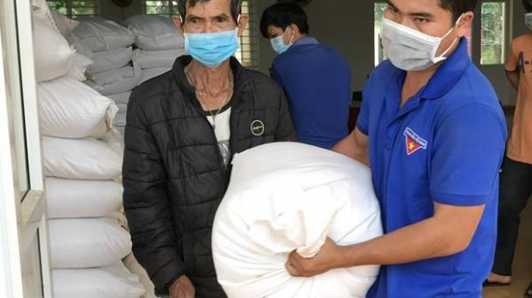 Xuất cấp gạo cho người dân Quảng Trị gặp khó khăn do giãn cách xã hội