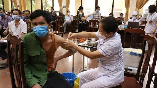 Quảng Trị mở rộng tiêm chủng cho tất cả người dân từ 18 tuổi trở lên