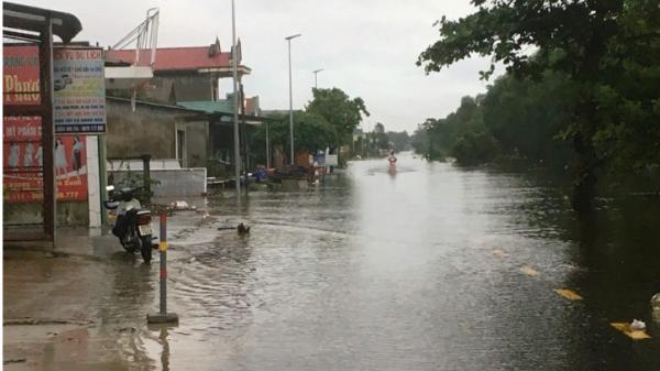 Sáng nay 18/10: 50 trường học trên địa bàn huyện Triệu Phong và Hải Lăng phải nghỉ học do mưa lũ