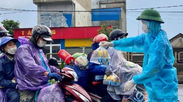 Tuổi trẻ Quảng Trị hỗ trợ người dân từ miền Nam về quê tránh dịch