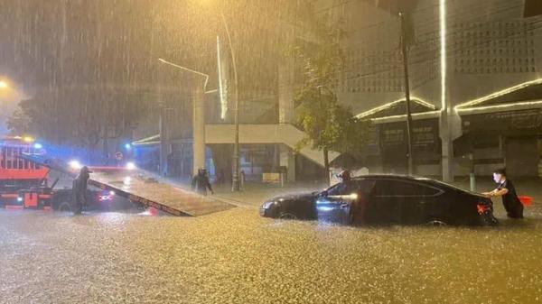 Nỗi lo ngập lụt đô thị