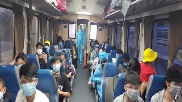 Hai đoàn tàu sẽ đưa hơn 700 người Quảng Trị, Thừa Thiên - Huế về quê